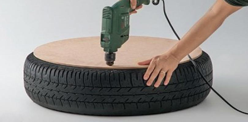 il a fait un trou dans un pneu lorsqu il a fini j tais jaloux de sa cr ation. Black Bedroom Furniture Sets. Home Design Ideas
