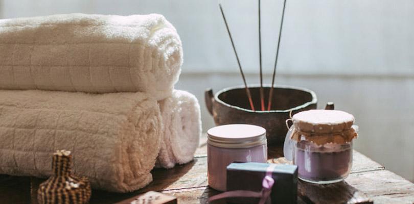 3-aromes-sacres-pour-ouvrir-vos-chakras-et-nettoyer-votre-aura
